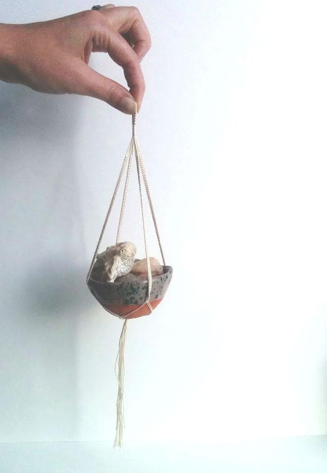 KnottyBloom's Mini-Hanger